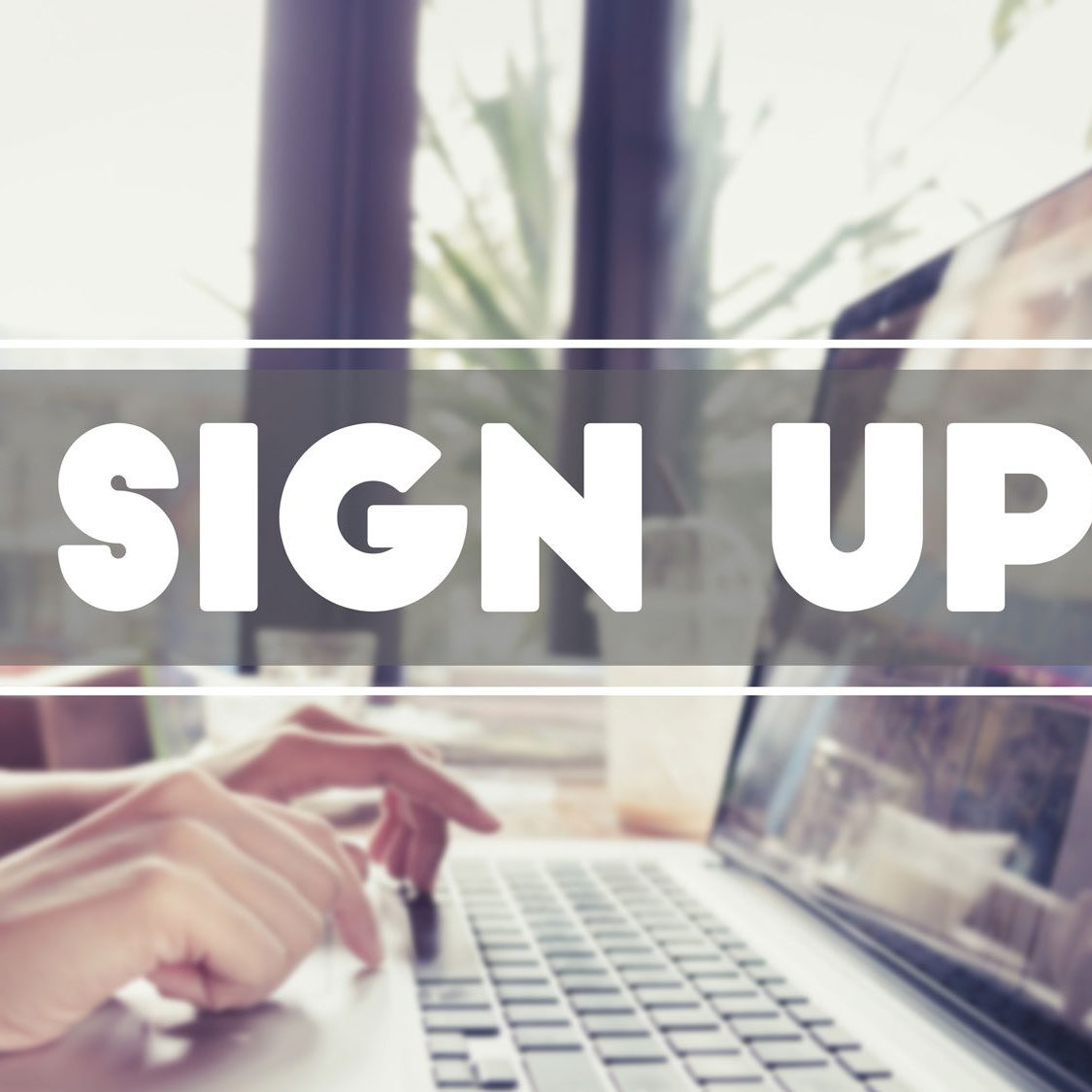 Person on computer signing up for our e-newsletter | Fertility Specialists Medical Group | San Diego & Carlsbad, CA